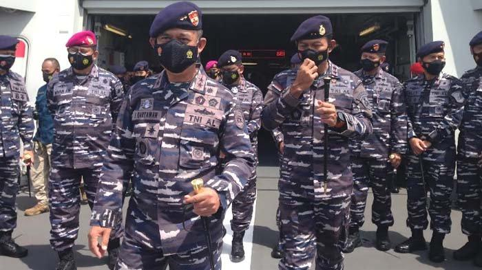 Admiral Inspections Tinjau Beberapa Kapal Perang jelang Sertijab Pangkoarmada II