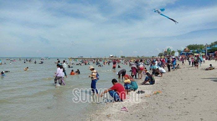 Akhir Pekan Jelajah Destinasi Wisata di Kabupaten Gresik, Ada Pantai Hingga Petilasan Majapahit