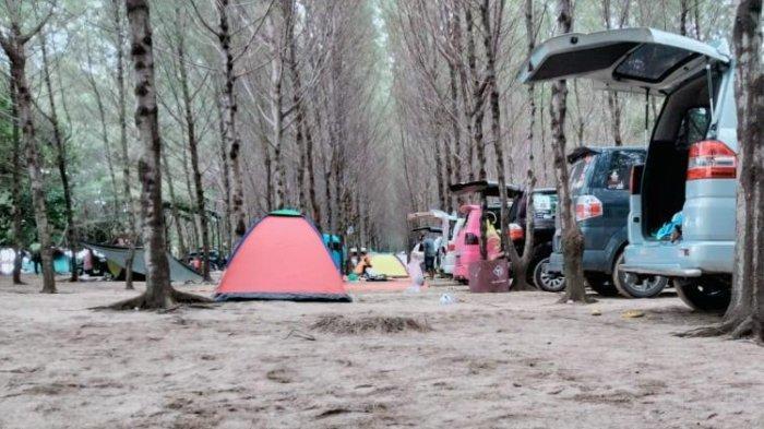 Nikmati Keindahan Pantai Ngudel Kabupaten Malang Sambil Buka Tenda di Pinggir Pantai