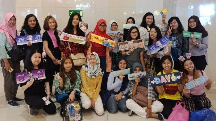 Kisah K Pop Surabaya Sukses Buka Online Shop Lightstick Korea Jadi Buruan Kpopers Surya