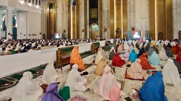 Update Virus Corona di Surabaya, Rabu 12 Mei 2021: Gubernur Khofifah Tinjau Kesiapan Masjid Al Akbar