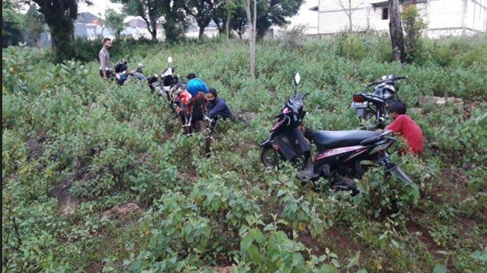 Polisi Bubarkan Konvoi Knalpot Brong di Ring Road Tuban, Peserta Semburat hingga ke Sawah