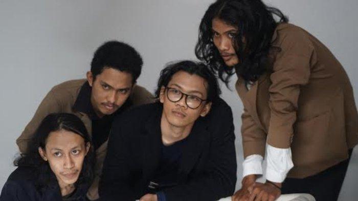 Band Rock Hyns Asal Kota Surabaya Luncurkan Single Terbaru Asters
