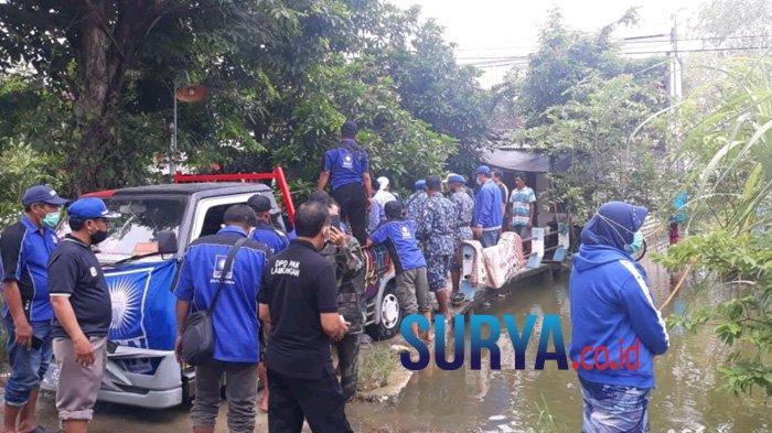 Tidak Berpangku Tangan di Tengah Banjir, PAN Lamongan Kucurkan 4 Ton Beras