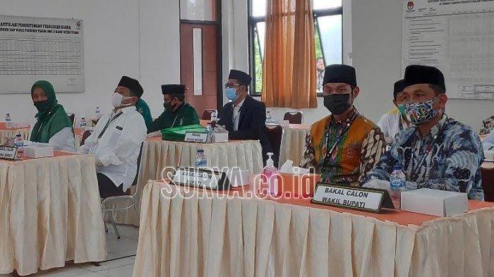Pasangan Cabup-Cawabup Tuban, Ana-De Anwar dan Lindra-Riyadi Daftar Bersamaan di KPU