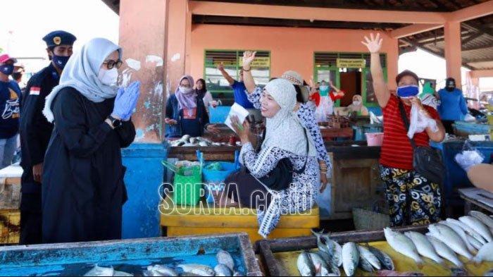 Sapa Warga Muncar Banyuwangi, Ipuk-Sugirah Paparkan Program Petani dan Nelayan