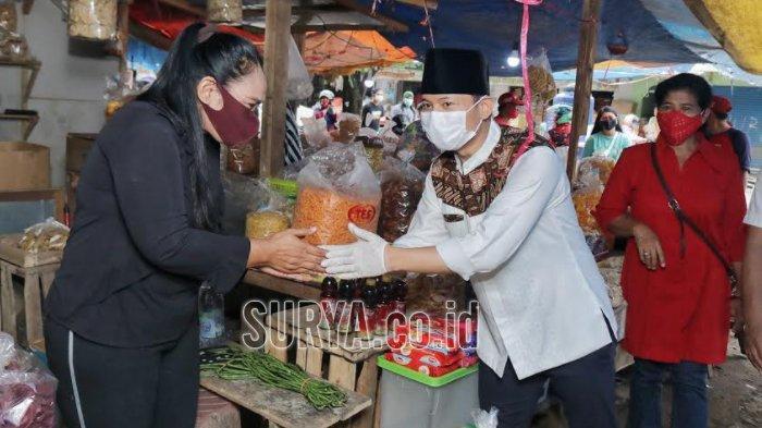 Sambangi Pedagang, Mas Ipin Kawal Penempatan Bangunan Baru Pasar Pon Kabupaten Trenggalek