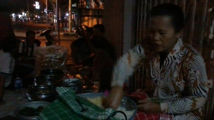 Pecel Pocong di Sudut Kota Probolinggo
