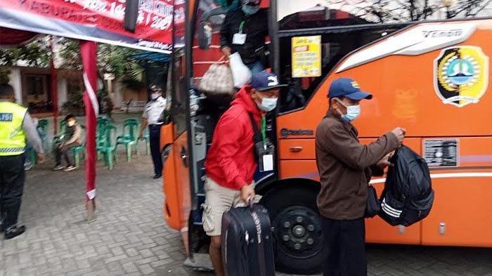 Ada Warga Madiun Pulang ke Rumah Pacar di Tulungagung, Data Penjemputan Pekerja Migran Jadi 18 Orang