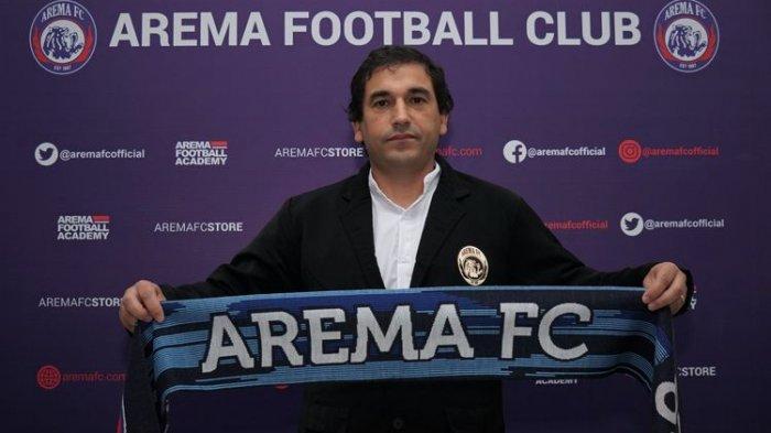 Respons Eduardo Almeida soal Arema FC Tidak Punya Pelatih Fisk