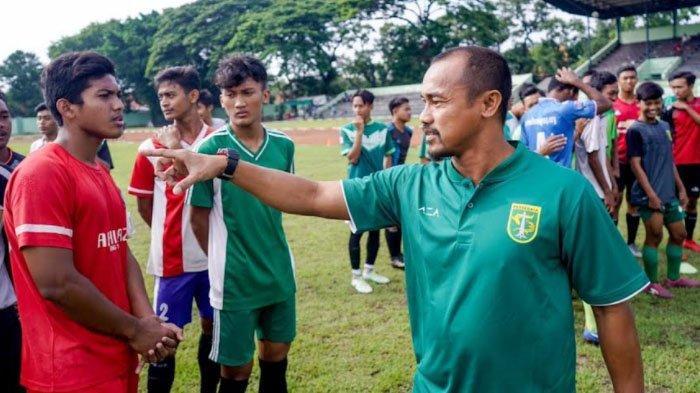 Pelatih Elite Pro Academy (EPA) Persebaya Surabaya : Pemain Butuh Sarana Berkompetisi