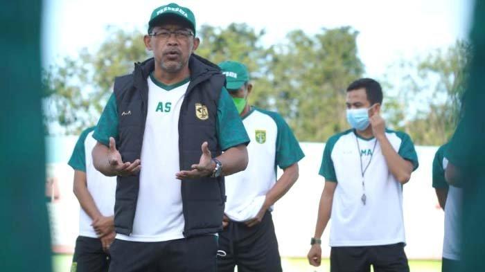 Telah Perhitungkan Kekuatan Lawan, Aji Santoso Target Poin Penuh saat Persebaya Hadapi PSM Makassar