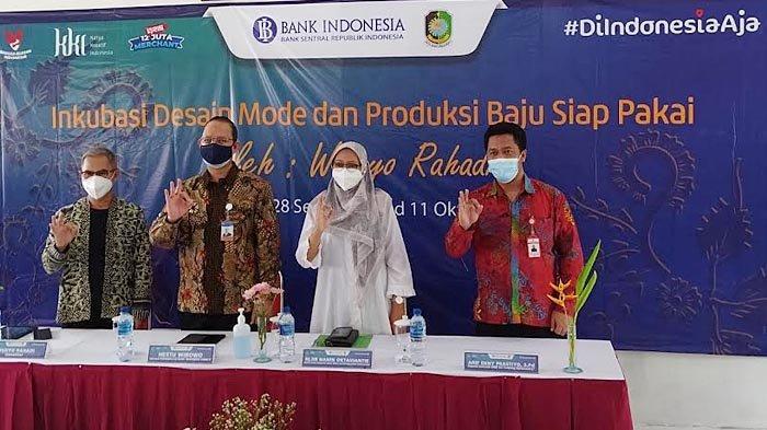 Bank Indonesia Melaksanakan Inkubasi Desain Model dan Produksi Baju Siap Pakai di Banyuwangi