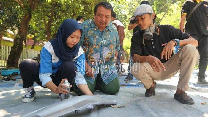 SMKN 2 Surabaya Wadahi Bakat dan Minat Siswa, Gelar Pelatihan Pengecatan Bidang Otomotif