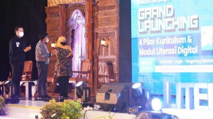Menkominfo Luncurkan Kurikulum dan Modul Literasi Digital di Surabaya, ini Targetnya
