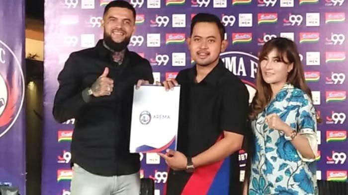 Diego Michiels Resmi Gabung Arema FC, Presiden Klub Gilang Widya Akui Lama Kenal di Medsos