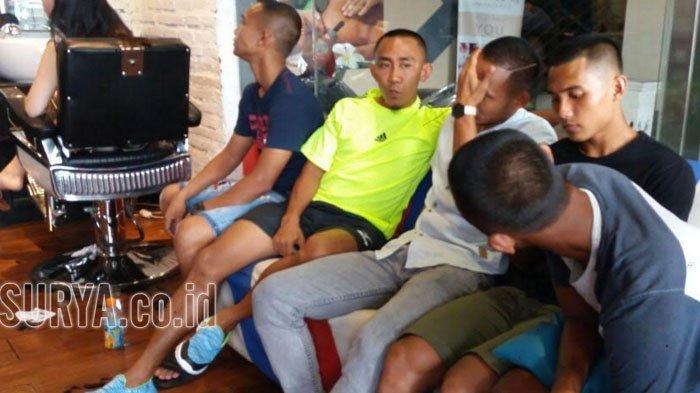 BREAKING NEWS- Naik Liga 1, Pemain Persebaya Ramai-ramai Cukur Gundul