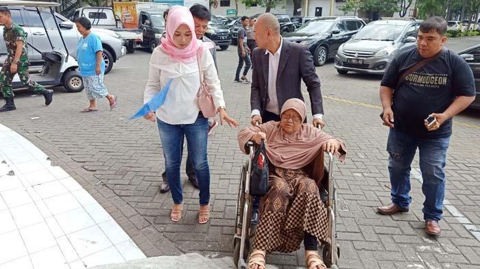 Nenek 82 Th di Surabaya Jadi Tersangka Dugaan Pemalsuan Dokumen, Kuasa Hukum Sebut Ada Kejanggalan