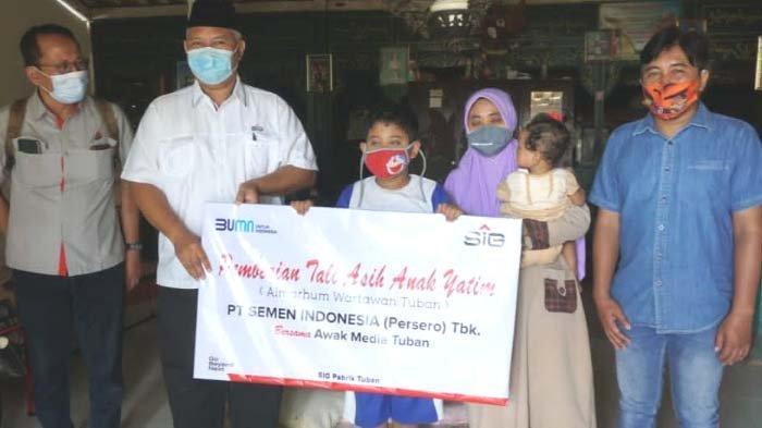 Ramadhan Berkah, SIG Pabrik Tuban Berikan Taliasih kepada Yatim Piatu Anak Wartawan