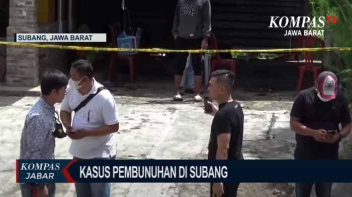 Sejumlah polisi datang ke TKP pembunuhan ibu dan anak di Subang.