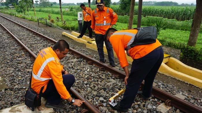 Jelang Angkutan Lebaran 2020, Daop 7 Madiun Mulai Periksa Jalur Kereta Api
