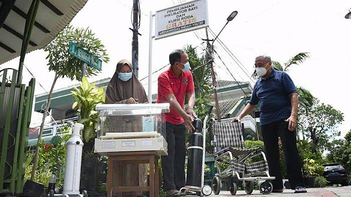 Warga Dukuh Menanggal Surabaya Pinjamkan Inkubator Bayi, Kursi Roda dan Tabung Oksigen Secara Gratis