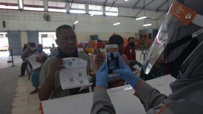 Pemkot Surabaya Pastikan Tak Ada Warganya yang 'Ketinggalan' Bansos Covid-19