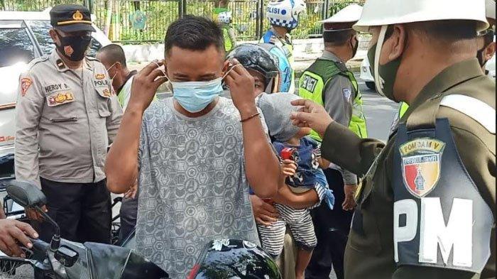 Bulan Puasa, Petugas Tertibkan Pengendara yang Tak Patuh Prokes di Kabupaten Pamekasan