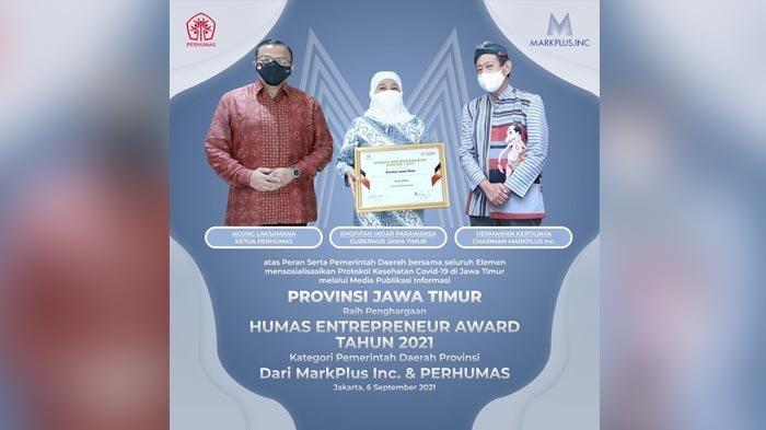 Raih Penghargaan Humas Enterpreneur Award Tahun 2021, Khofifah: Ini Peran Semua Tim Kehumasan