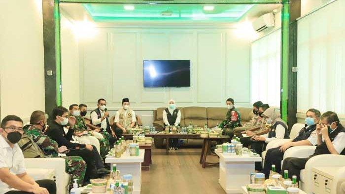 Pemprov Jatim, Polda dan Kodam Kirim Nakes ke 4 Puskesmas di Bangkalan untuk Lawan Covid-19