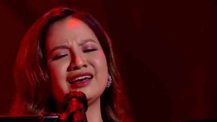 Anggi Indonesian Idol 2021 saat menyanyikan lagu Lewis Capaldi berjudul Some One You Loved