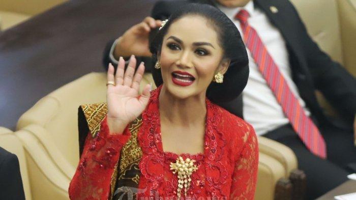 Penampilan Krisdayanti saat Pelantikan Anggota DPR RI Jadi Sorotan, MUA Bubah Alfian Ucap Kata Ini