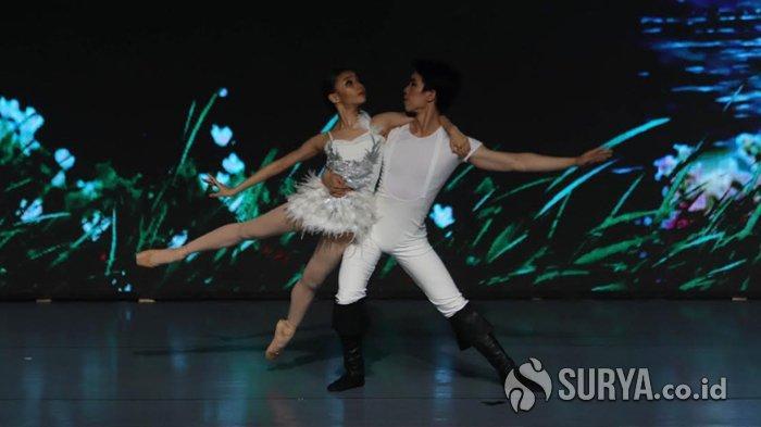 Kisah Swan Lake dalam Pagelaran Balet Modern Marlupi Dance Academy di Balai Budaya Surabaya