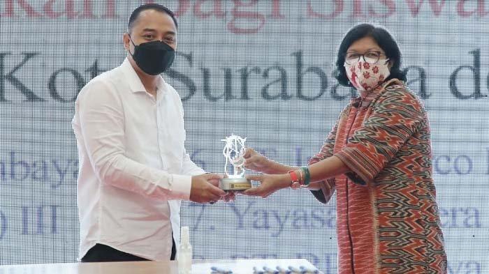 CSR untuk Pendidikan di Surabaya Capai 12 Miliar, Bantu 4.188 Siswa SMP dari Keluarga MBR