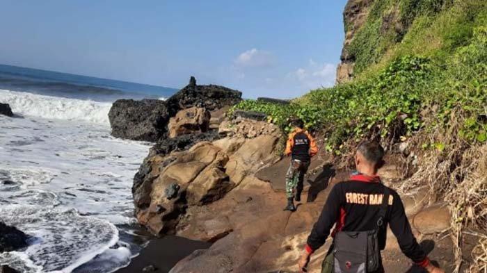 KRONOLOGI Bocah 7 Tahun di Lumajang Terseret Ombak Pantai Watu Godeg, Satria Pisah dari Rombongan