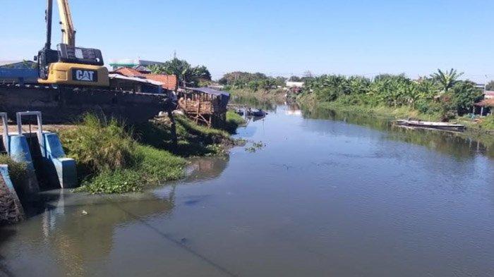 Ada Eskavator di Setiap Kecamatan, Penanganan Banjir di Sidoarjo Lebih Cepat