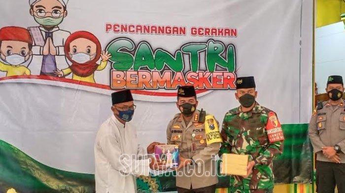 Pencanangan Gerakan Santri Bermasker di PPIQ Darul Hidayah Kota Malang