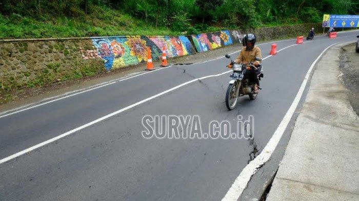 Jalan Retak di Kawasan Payung 1 Kota Batu, BPBD Jatim Rekomendasikan Pengalihan Arus Lalu Lintas