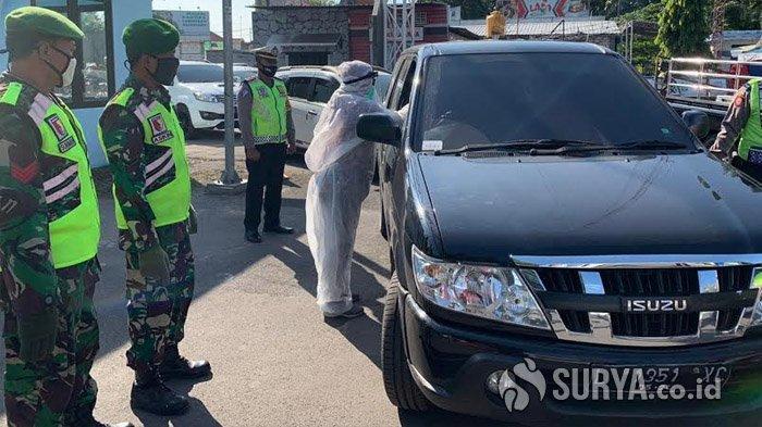 Petugas Gabungan, Polri, TNI Razia Ketat Pengendara yang Akan Masuk Lamongan