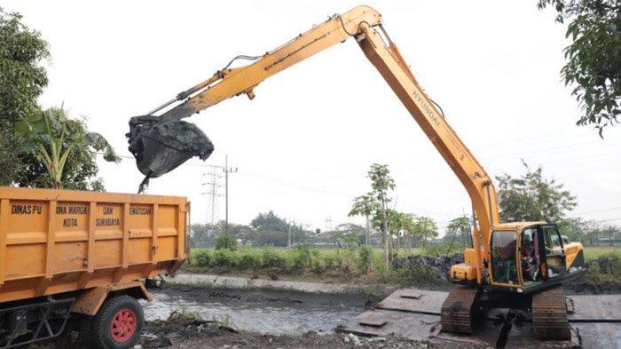 Pemkot Surabaya Maksimalkan Tiga Sarana Utama Atasi Banjir, Ada Pompa Hingga Boezem