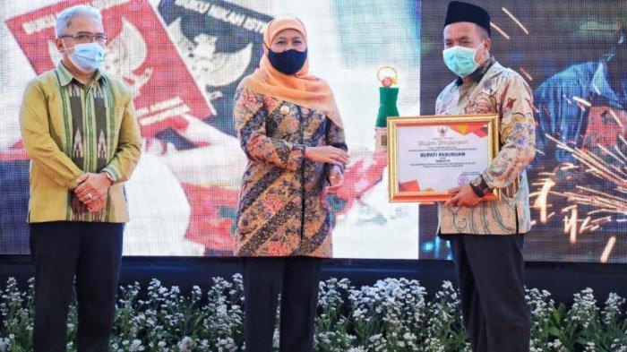 Gubernur Khofifah Minta Para Penerima Penghargaan 3 Sektor Jadi Role Model Kabupaten/Kota di Jatim