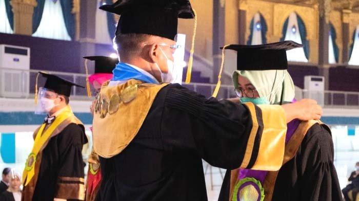 Kukuhkan Empat Guru Besar Baru, Unesa Bertekad Percepat Menuju PTN-BH