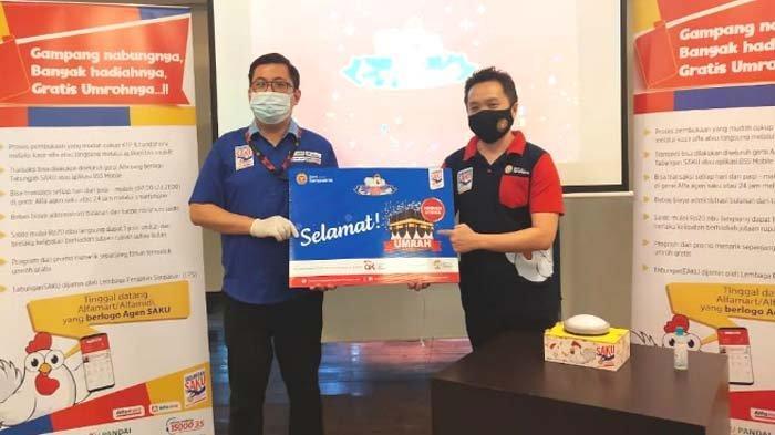 Lia Agustina Nasabah Ke- 26 Pemenang Hadiah Utama Umroh dari Tabungan Tasaku Bank Sampoerna
