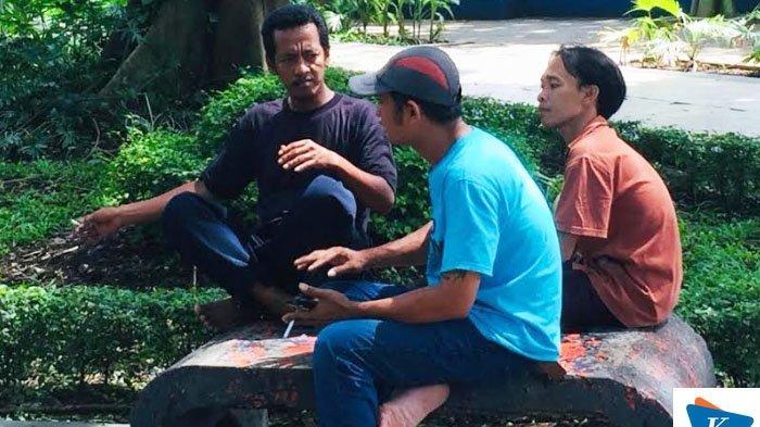 Masyarakat Mengaku Terganggu Pengunjung Taman Flora Bratang Surabaya yang Merokok