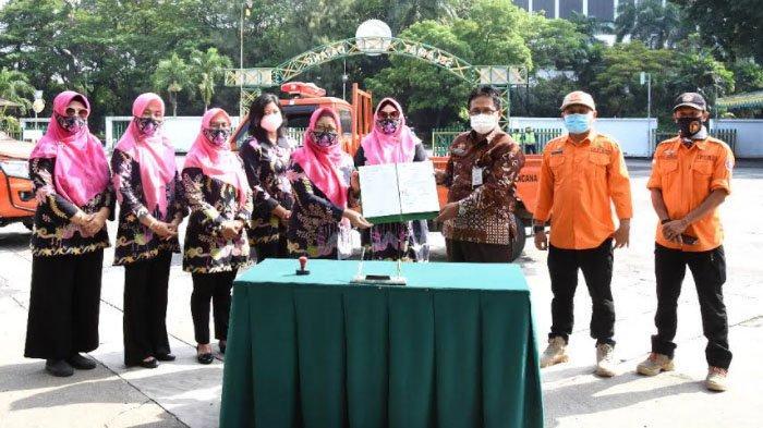 Ikatan Istri Pimpinan BUMN Salurkan Bantuan untuk Korban Bencana Gempa Bumi di Jawa Timur