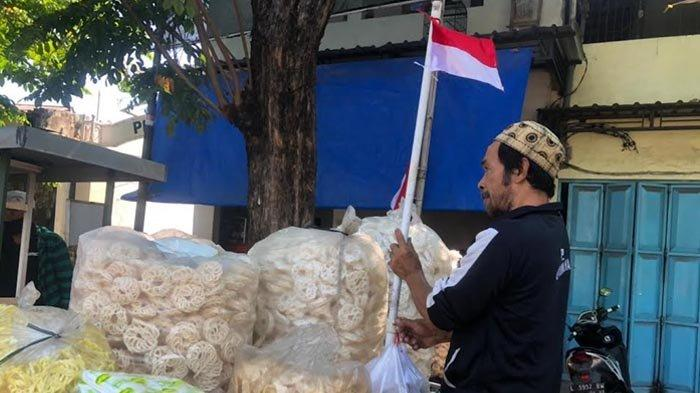 Wakapolrestabes Surabaya Apresiasi Warga yang Kibarkan Bendera Merah Putih, Simbol Perangi Pandemi