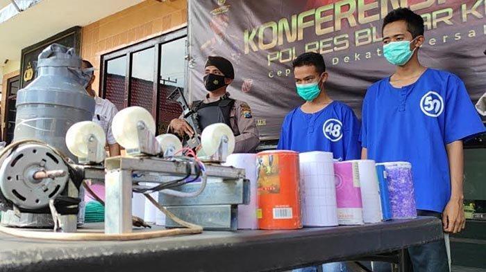 Polisi Bekuk Dua Penjual Obat Petasan Secara Online di Wonodadi Blitar