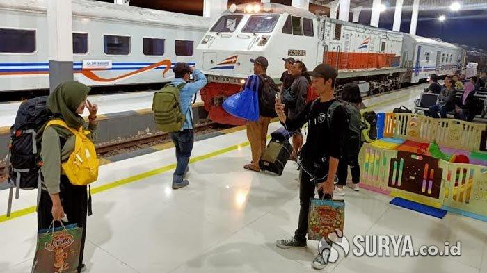 Kereta Api  dari Surabaya Tujuan Jakarta Seluruhnya Dibatalkan akibat Banjir, berikut Rinciannya