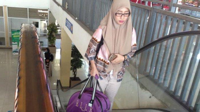 Eskalator Terminal Purabaya Mengelupas,Pegangan Cenderung Licin