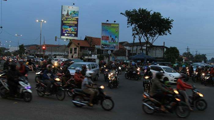 Penyebab dan Solisi Kemacetan Jalanan di Sidoarjo yang Sedang Digarap Pemkab dan DPRD Kota Delta